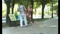 Seksi Kızın Komik Şakası:)